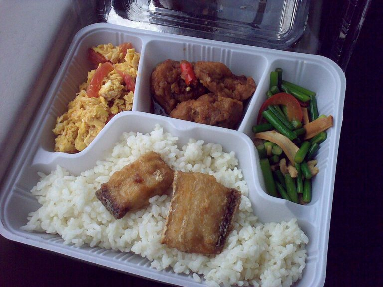 takeout tray