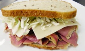 Winston-Foodservice-Corned-Beef-Sandwhich